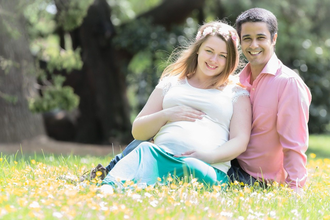 9 Tips to Help You Achieve a Normal Healthy Pregnancy and Delivery